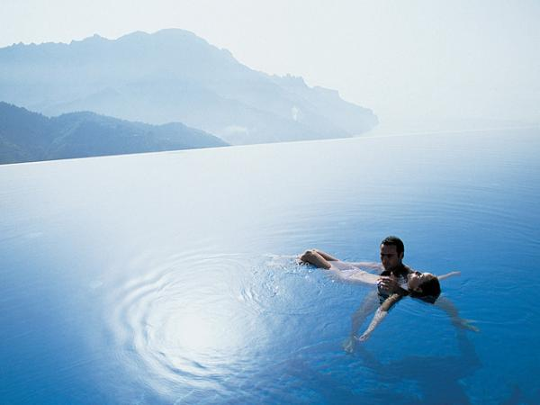 Unbelievable And Most Amazing Swimming Pool Around The World Travel The World