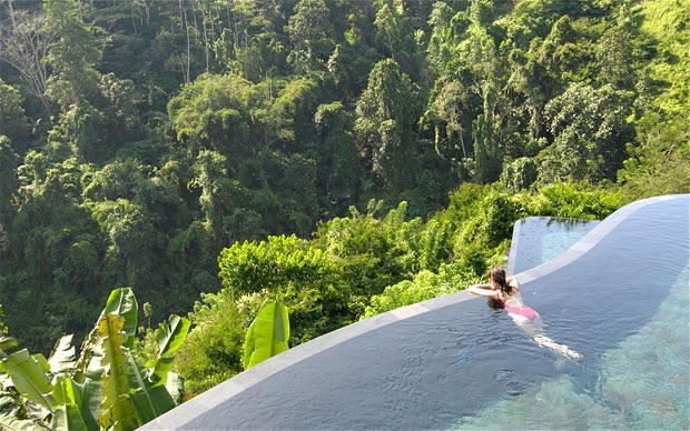 Unbelievable And Most Amazing Swimming Pool Around The